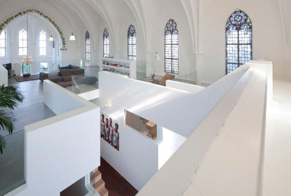 Church of living / Zecc Architecten